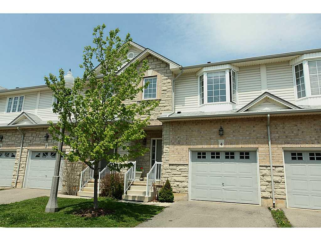 Photo of: MLS# H3186499 4-60 CLOVERLEAF Drive, Ancaster |ListingID=24