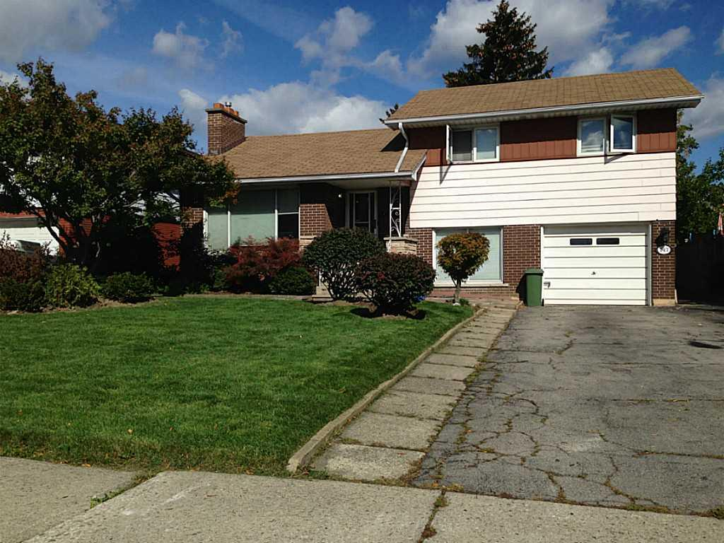 Photo of: MLS# H3199636 147 Delmar Drive, Hamilton |ListingID=33