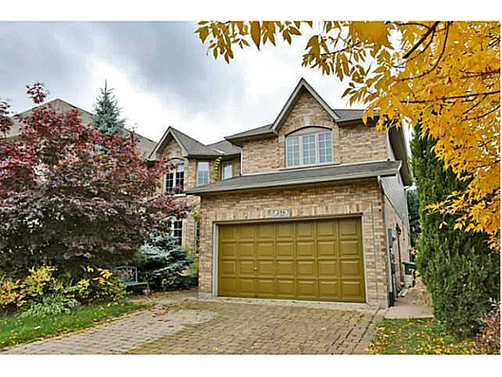 Photo of: MLS# H3144329 286 KITTY MURRAY Lane, Ancaster |ListingID=4