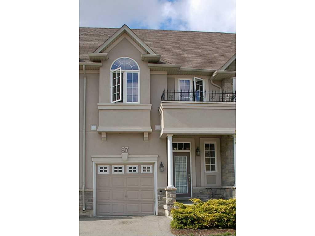 Photo of: MLS# H3205949 97 Forest Valley Crescent, Dundas |ListingID=41
