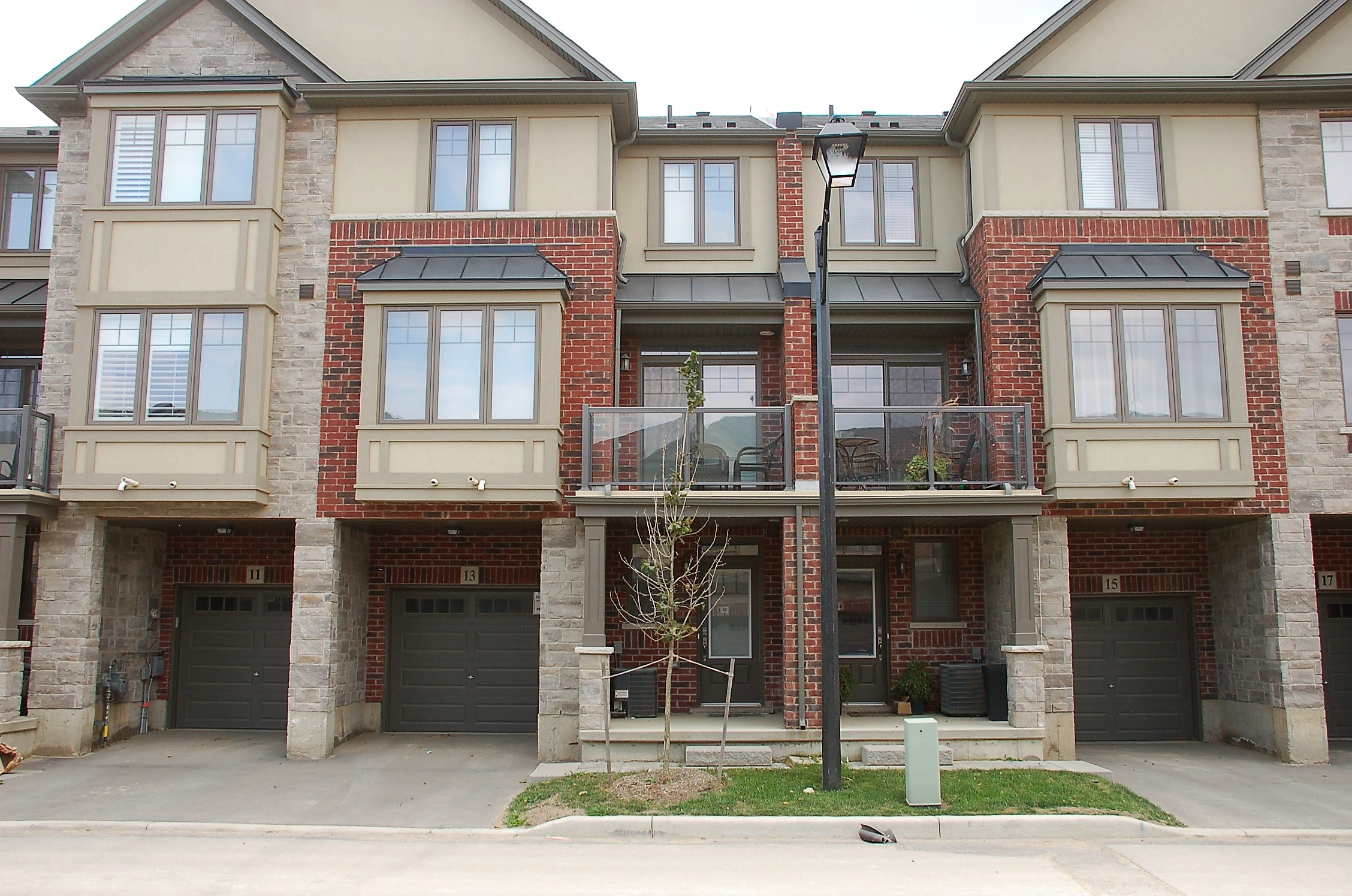Photo of: MLS# H4037766 13 FARLEY Lane, Ancaster |ListingID=13986