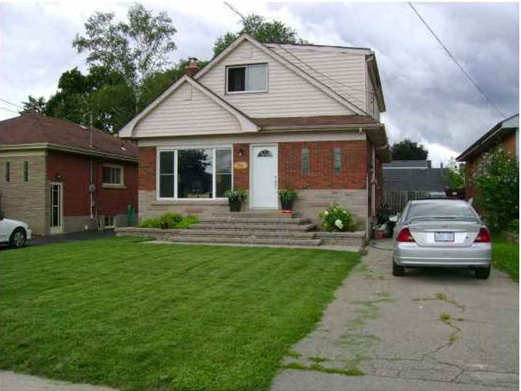 Photo of: MLS# H3197423 32 Radford Street, Hamilton |ListingID=30