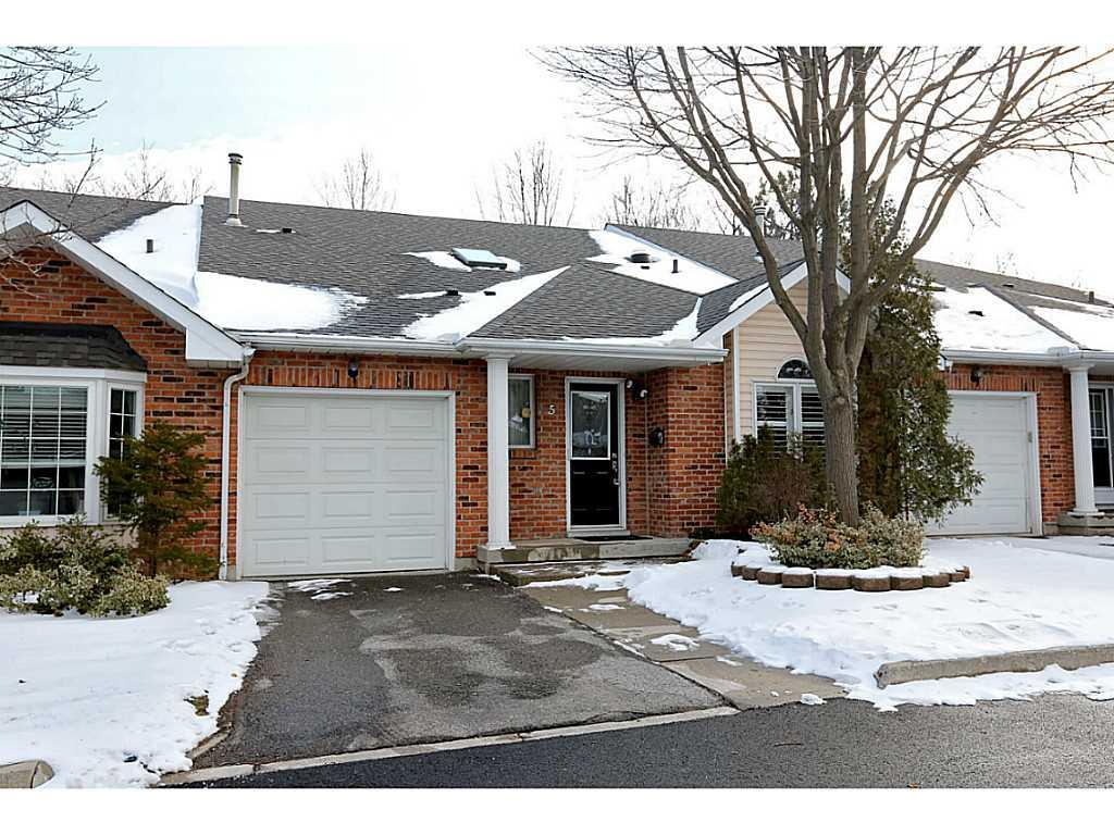 Photo of: MLS# H3198521 5-20 Meadowlands Boulevard, Ancaster |ListingID=32