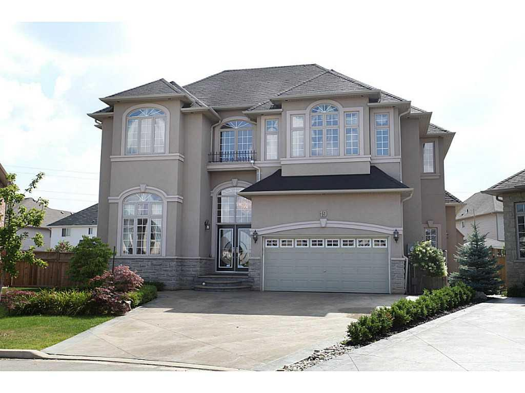 Photo of: MLS# H3156307 19 LOVETT Court, Ancaster |ListingID=7
